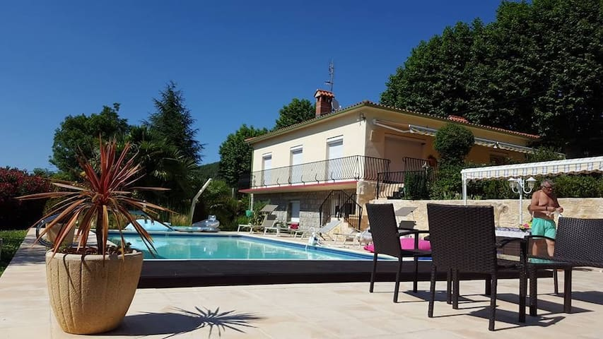 Villa ROMAGA - Vernet-les-Bains - Dům