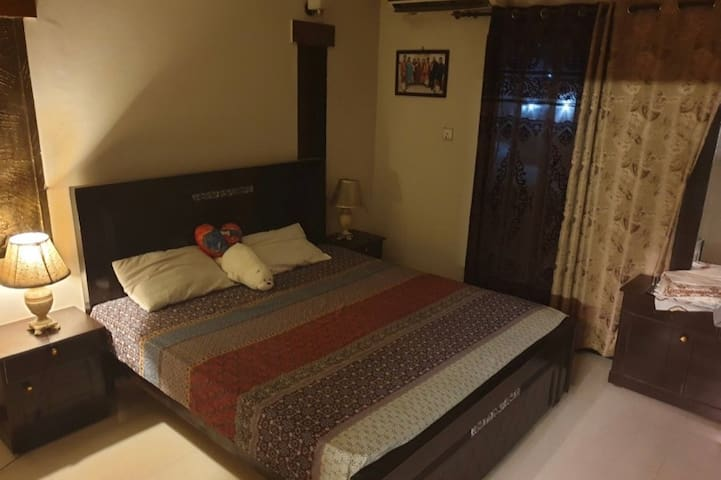luxury rooms&portion,room price mentioned thanks