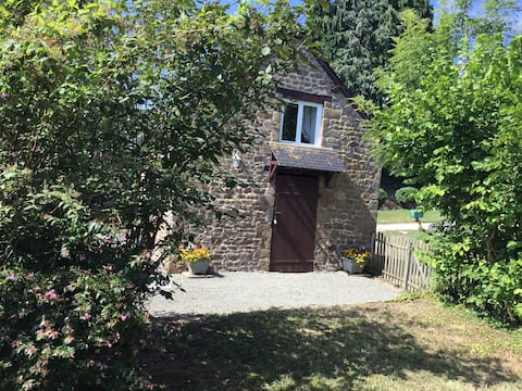 Rose Cottage - Peaceful, pretty, romantic, rural.
