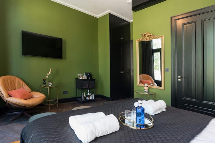 Room West 124th Street