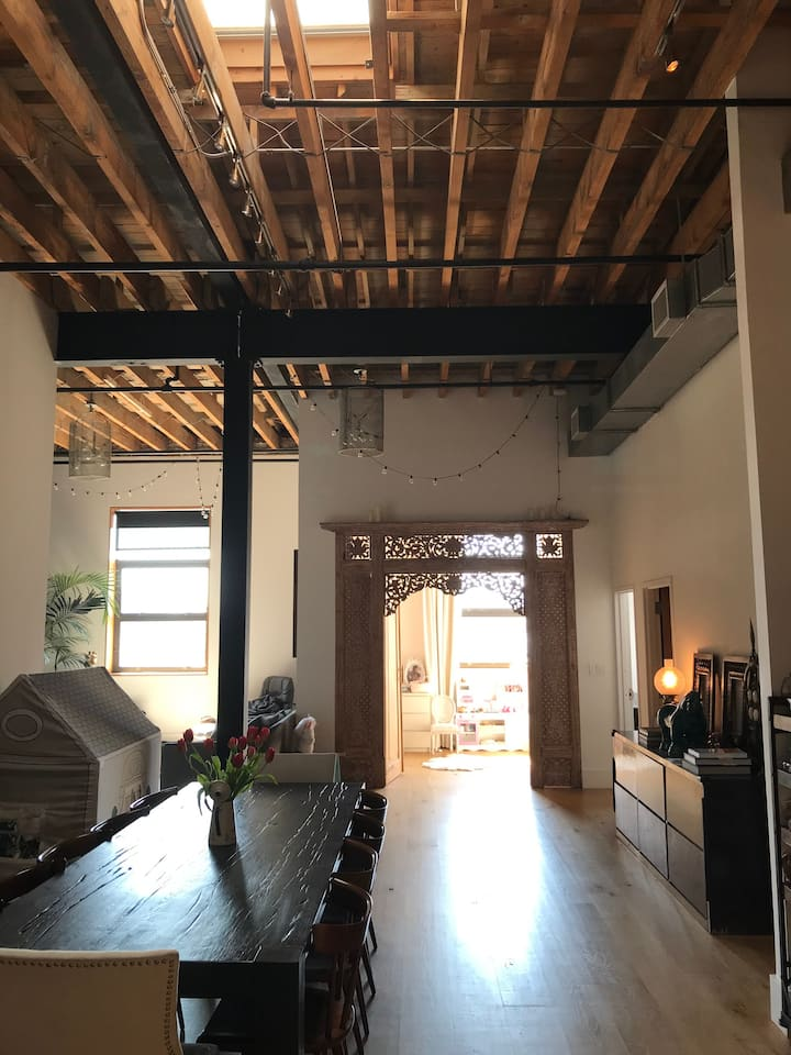 Greenpoint 2bdr Loft with 17' Beam Ceiling