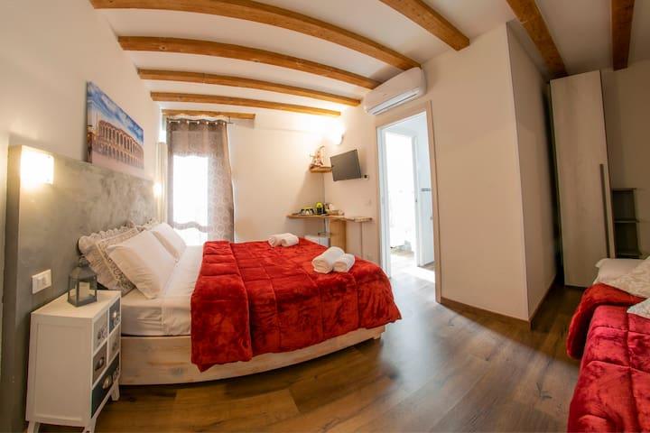 Driepersoonskamer, Heel dicht bij de Arena van Verona