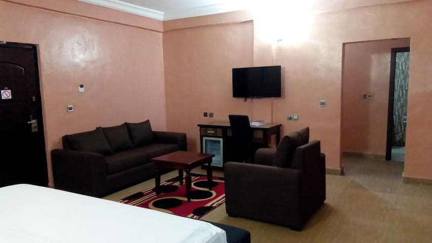 Nandas Hotel -Deluxe Room
