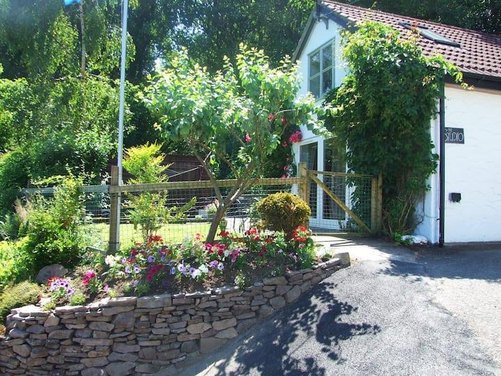 The Studio, a unique, detached country cottage
