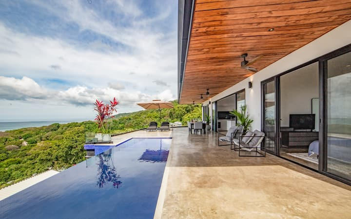 Casa Anna - Amazing Ocean Views, Close to Town