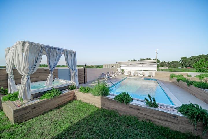 Villa Bruio - luxury villa - heated pool & jacuzzi