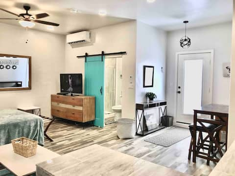 Pleasant Clean Comfy Studio Single Level Apartment