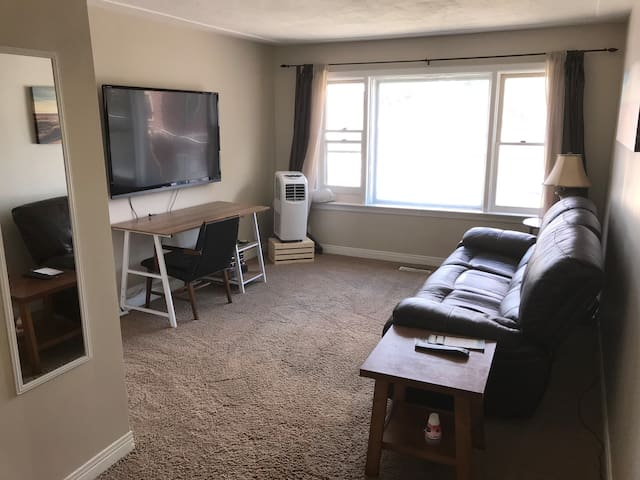 Cozy Woodfield Apartment Downtown by Richmond Row
