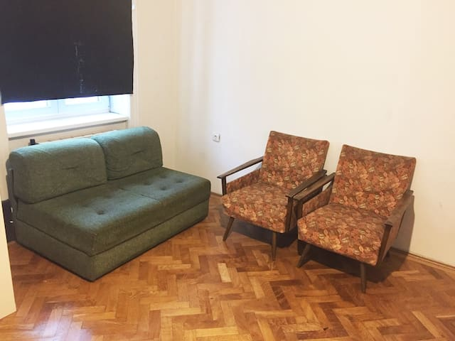 Large and quiet room in very central area