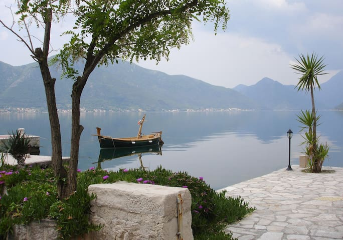 Penthouse overlooking Kotor Bay - ME - Apartment