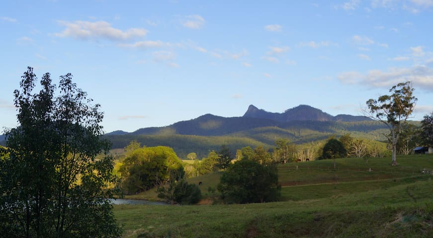 COUNTRY ESCAPE in the heart of the Caldera