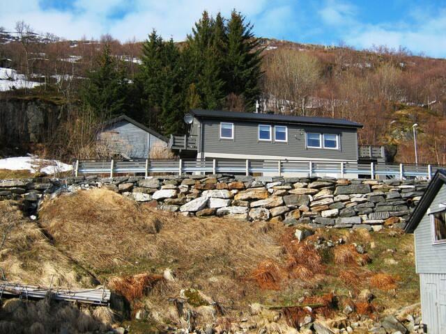Ersfjordbotn Kystferie - Cottage 2