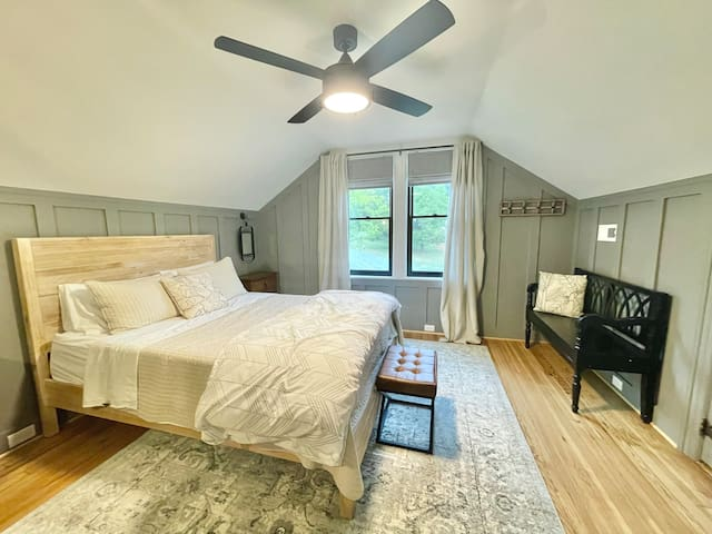 2nd Bedroom is fit with a Queen size bed