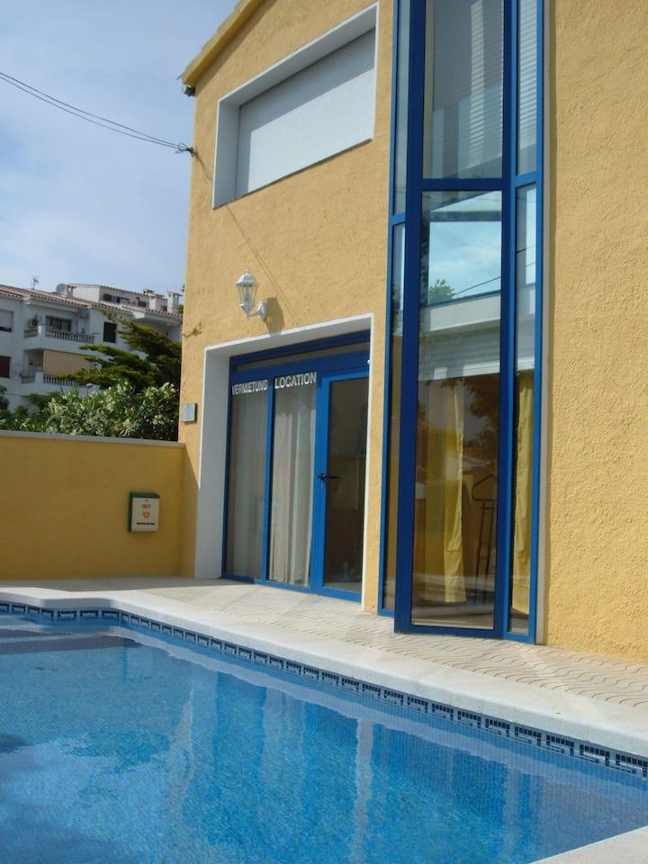Casa independiente con encanto con piscina privada