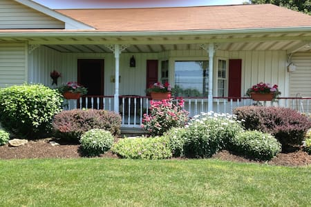 Lovely Home in the heart of Amish country
