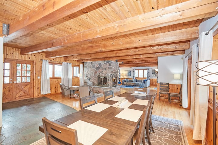 Smart Stays Self contained, Isolated Home - Grand Niagara Estate Lodge