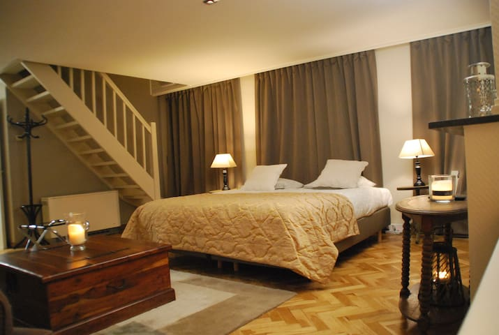 Holiday apartment  in historical building 5 pers