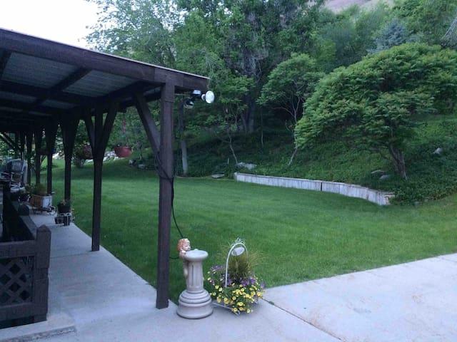 Darby's Den in Springville
