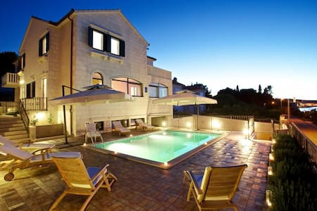 Apartments Villa Grlica - One Bedroom Apartment With Balcony and Garden View