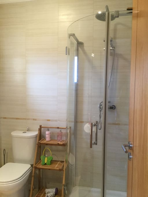 Ensuite shower room to double bedroom