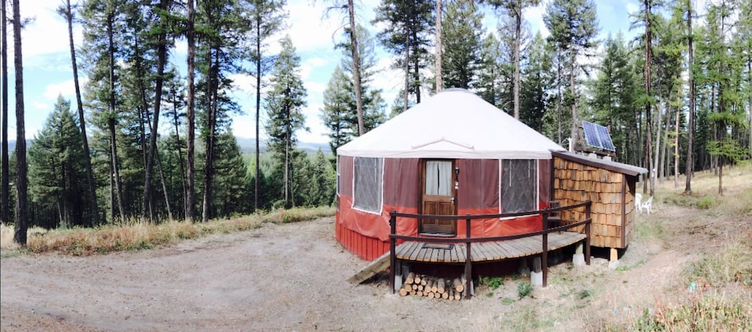 Spencer  Mountain Solar Yurt - Whitefish