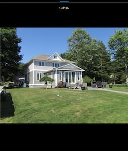 Waterfront Pulaski home with a view