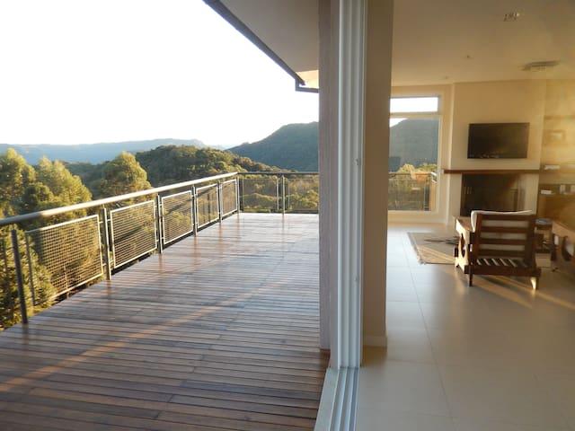 Suíte SOL NASCENTE (com café da manhã) - Nova Petrópolis - Huis