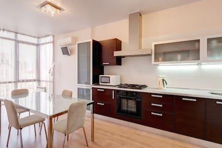 Уютная квартира с джакузи - Kazan - Apartment