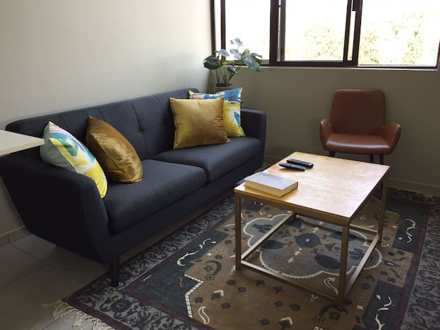 Rosebank apartment, in the heart of Rosebank
