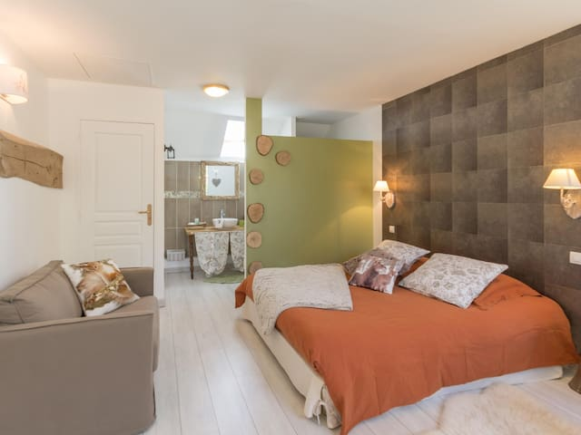 Triple room-Standard-Ensuite with Shower-Garden View-Chambre Nature