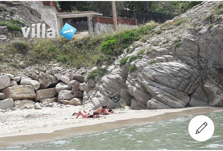 Villa sulla spiaggia baia di Trentova Agropoli