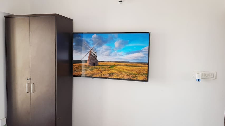 2bhk Electronic City ★ 50 inch TV ★ Beautiful View