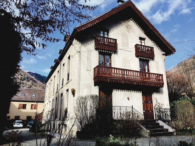 Apartment Aneto during winter. This spacious 2 bedroom apartment is on the second floor.