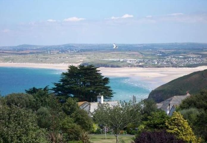 Family apartment with stunning view - St Ives - Apartament