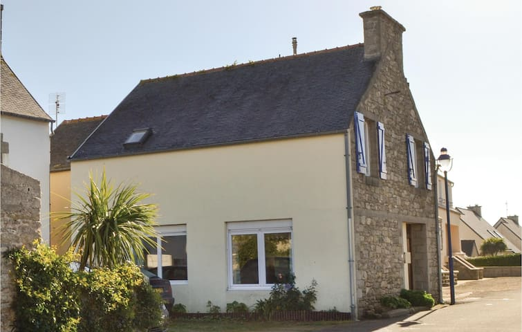 Holiday cottage with 4 bedrooms on 118m² in Santec