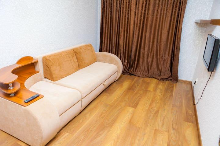 Уютная квартира на Сидорова - Ukhta - Apartamento