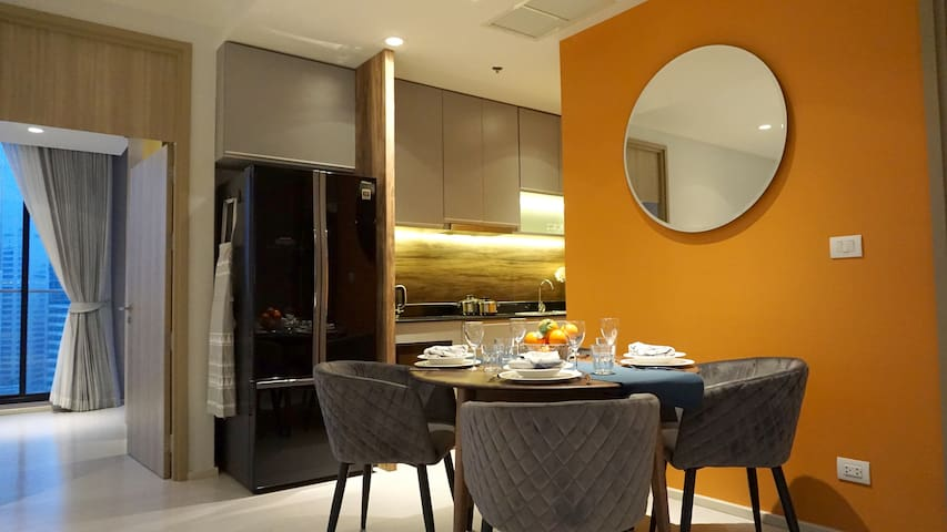 Private lift, 100sqm. Connected to BTS Ploenchit