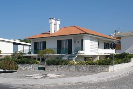 Beach house in São Pedro - Marinha Grande