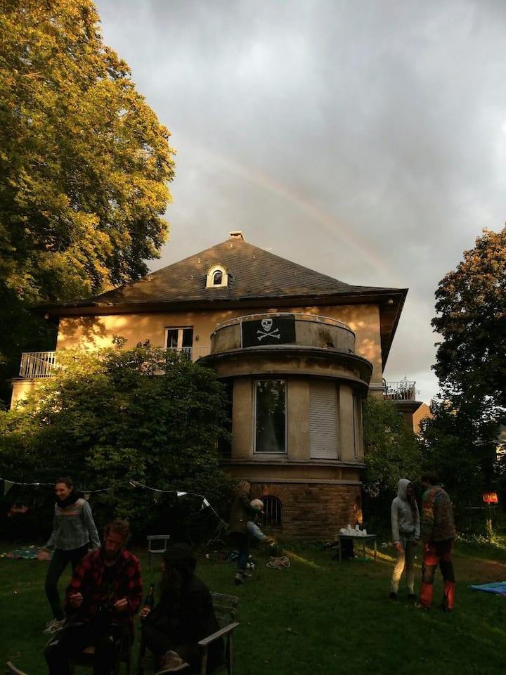 Zimmer frei in Wohnprojekt - Villa mit Garten