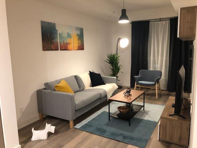 NEW! Modern Boutique Apartment  ★ Prime Location