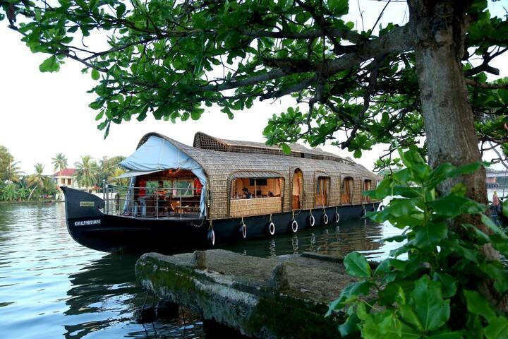 Casablancahouseboats@ alleppey - Alappuzha - Boat