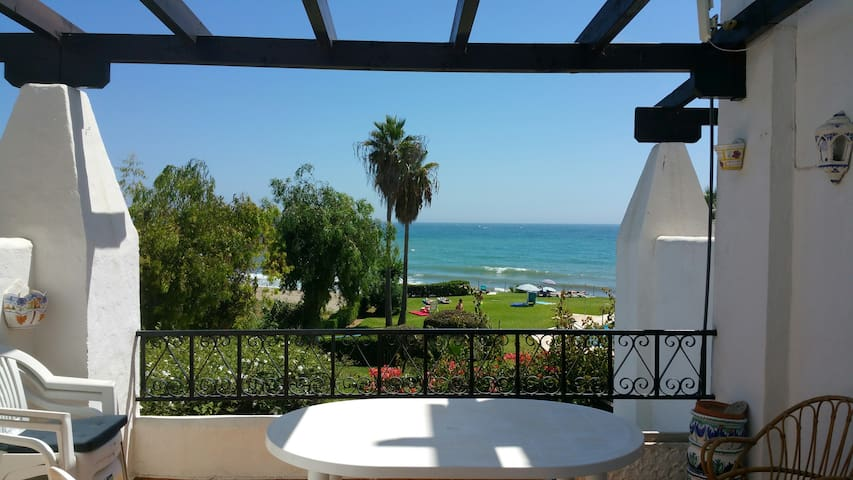 """Casa del Mar"" on Calahonda Beach - Mijas - Condominium"