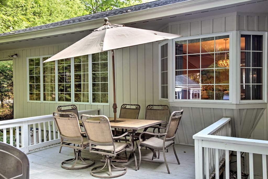 Uncork a bottle of wine or enjoy a meal al fresco in this charming outdoor space.