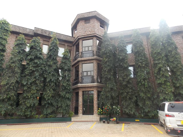 Discovery Courts Hotel