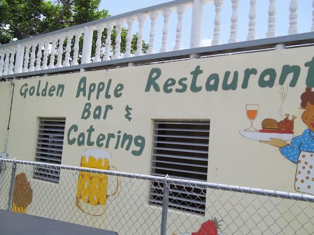 goldenapplerestaurant - Canaries