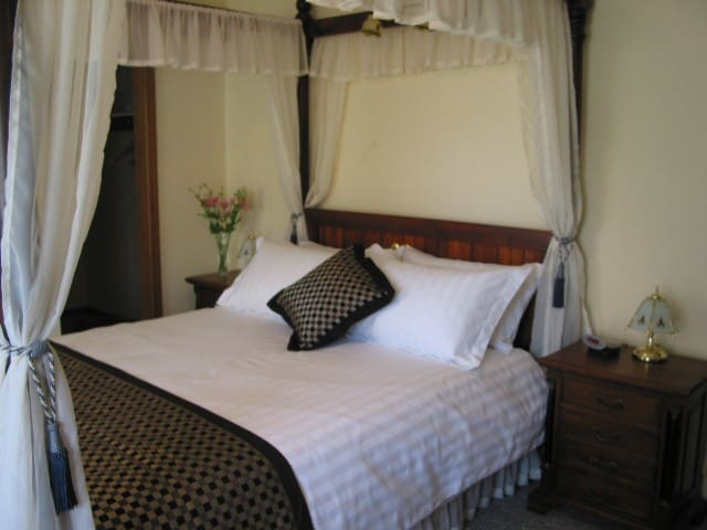 Jessica's Place Bed & Breakfast - McLaren Vale - Bed & Breakfast