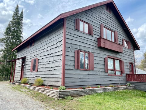 Adirondack Family Getaway- A Home Away from Home
