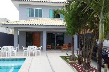 Casa nova duplex com piscina móveis novos.