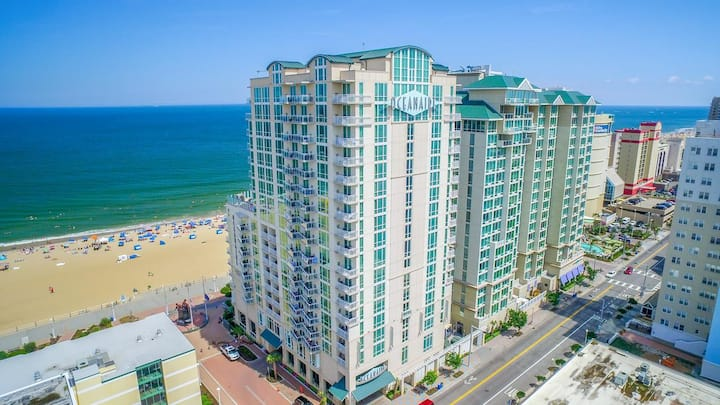 Oceanaire - Large Ocean View Studio on Boardwalk!