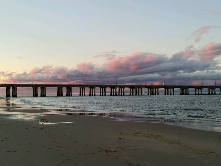 Virginia Beach waterfront home away from home!